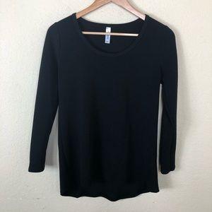 🍀nwot LulaRoe Lynnae solid black long sleeve top